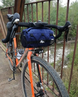 Gravel handle bag
